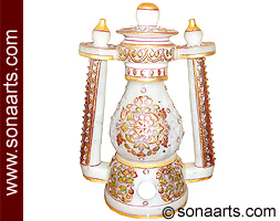 Emboss leaf and flower painting on marble lantern