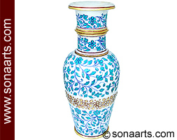 Flower vase with leaf and flower painting
